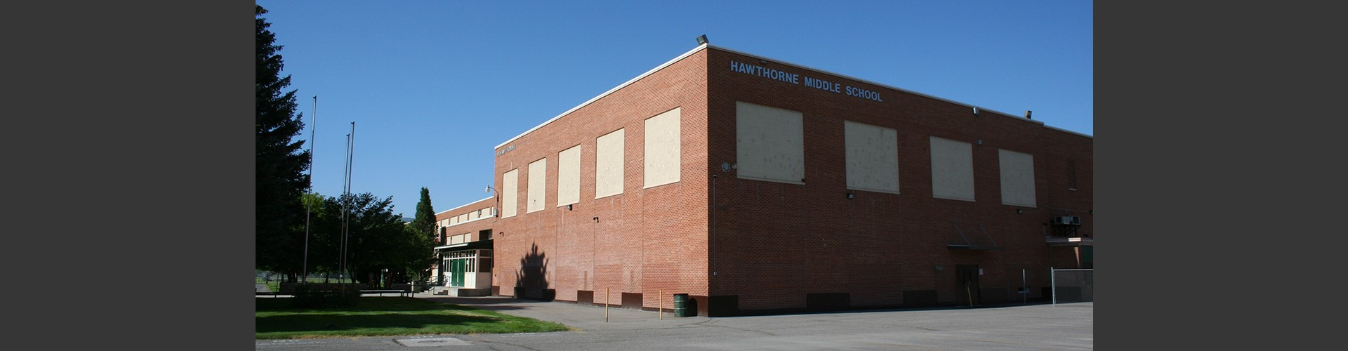 Hawthorne Middle School building
